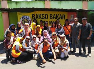 Pose bersama di Bakso Bakar SMPN 2 Malang