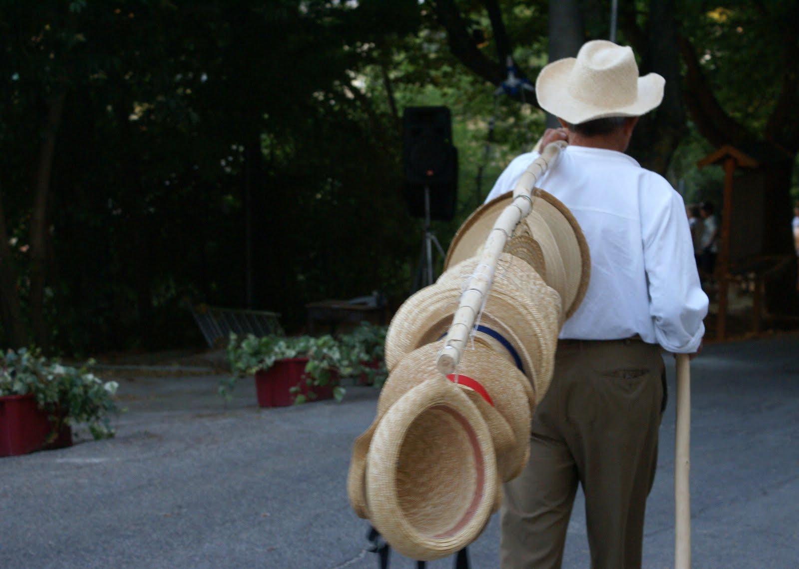 un pizzico di magia  Montappone - Il Cappello di Paglia ... e il ... 6e589ae00856