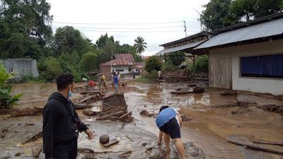 Banjir Bandang Melanda Minahasa Tenggara, 1 Warga Diduga Hanyut