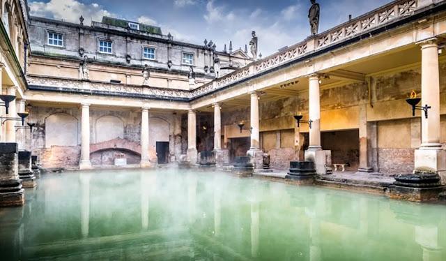 Roman Baths Bath (england)