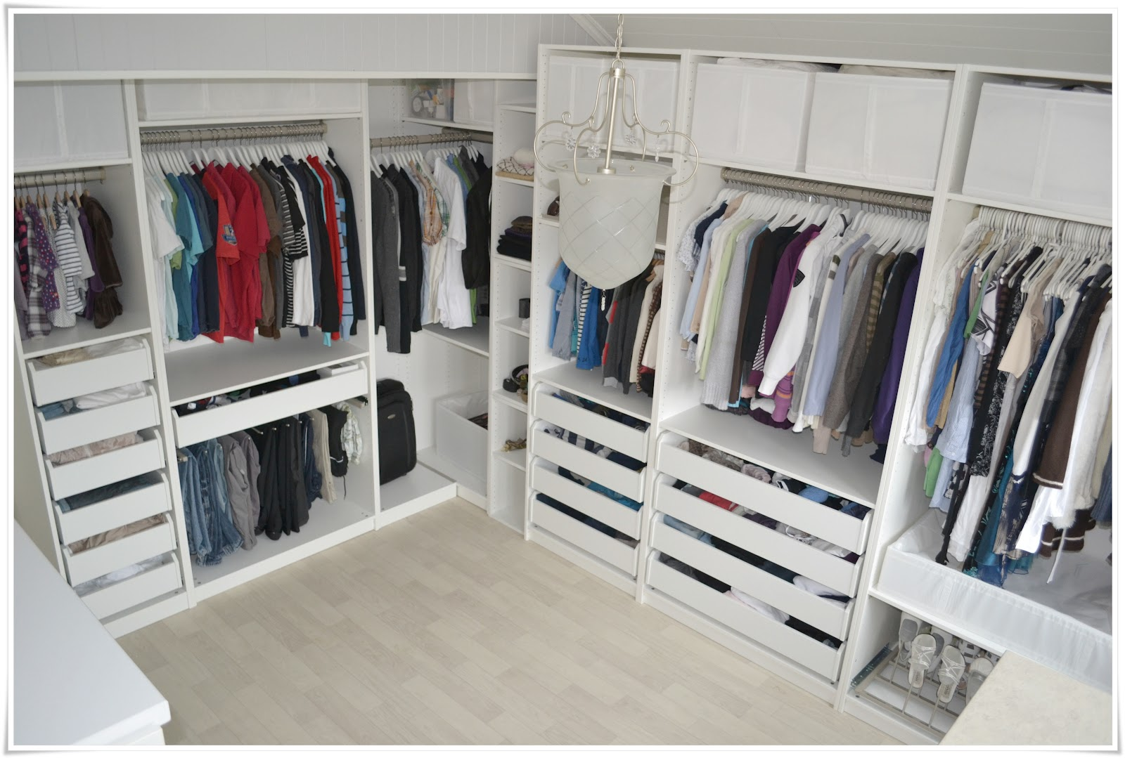 ikea klesskap great pax xx cm scharnier sanft schlieend ikea with ikea klesskap trendy ikea. Black Bedroom Furniture Sets. Home Design Ideas