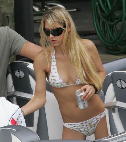 Anna Kournikova bikini hot
