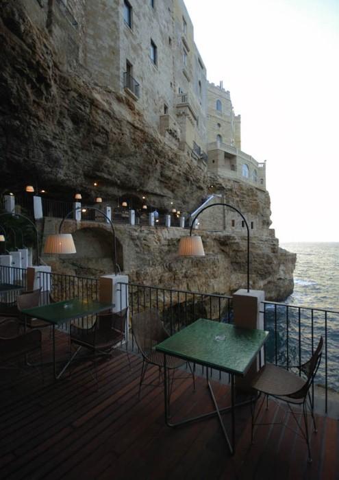 Grotta Palazzese - ресторан у моря 18