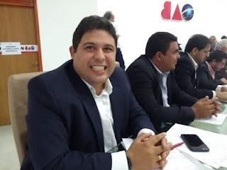Renato Meireles quer campanha para celebrar o 'Dezembro Vermelho'