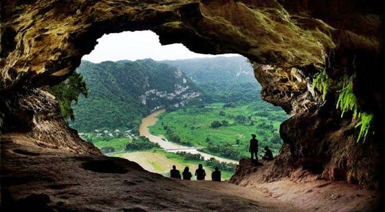 las Cuevas del Río Camuy tiene un enorme sistema de cuevas de 268 hectáreas y se considera el tercer sistema de cuevas más grande del mundo