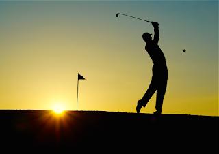 Bermain Golf