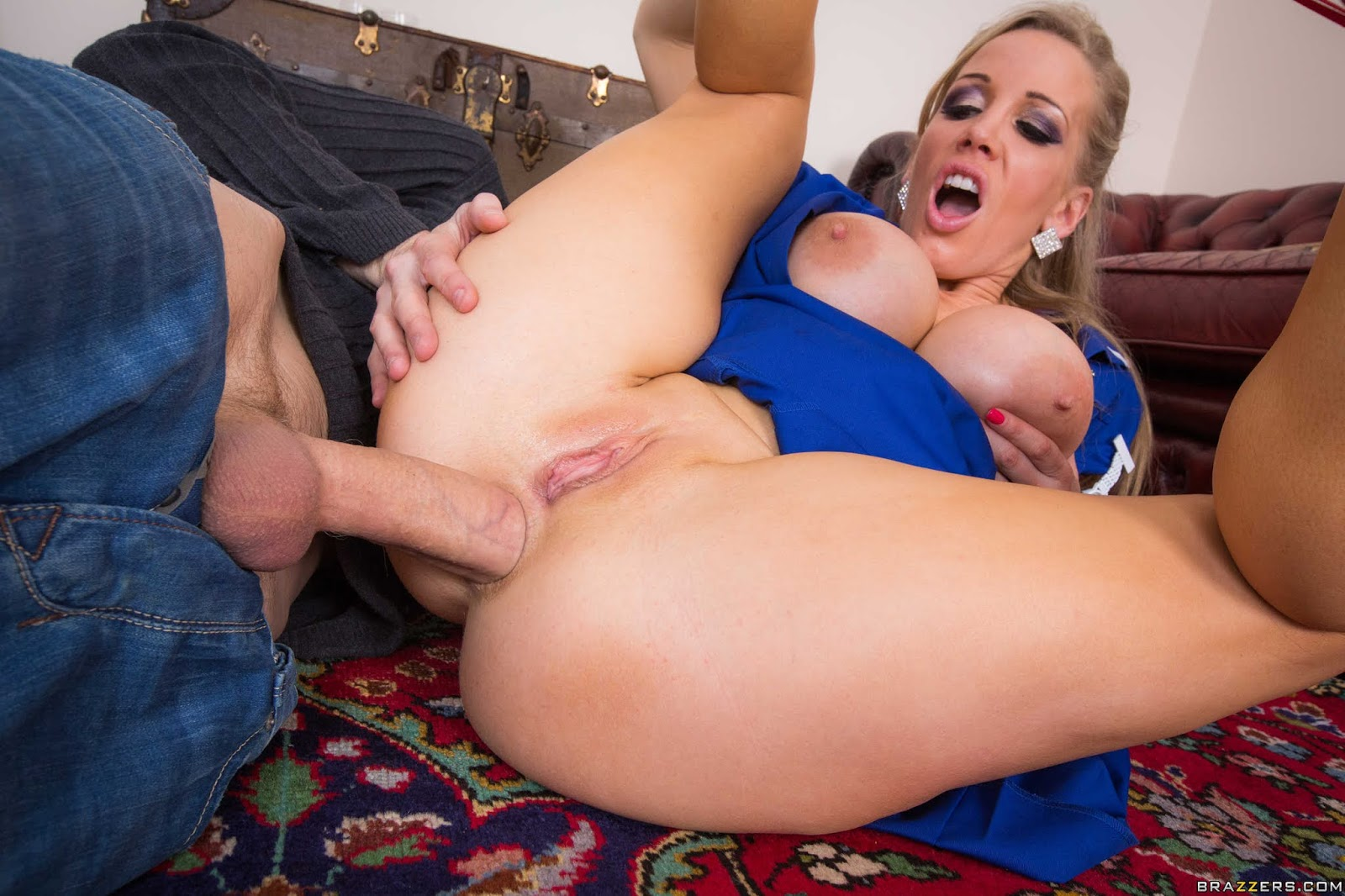 Rebecca Moore Horny Milf Like To Play On Cam With Huge Dick Clip