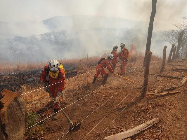 Chapada: Combate a incêndio continua na região de Lençóis