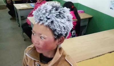 Rambut siswa membeku