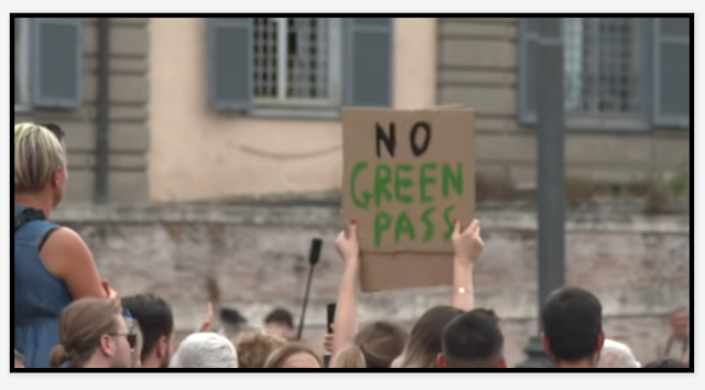 Εμφύλιος στην Ιταλία : Έφοδοι σε σπίτια ανεμβολίαστων, τους κατηγορούν πως ετοίμαζαν ένοπλες επιθέσεις