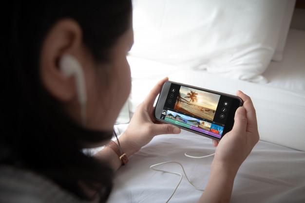 كيفيه تقطيع الفيديو إلي اجزاء بأربع طرق ( كمبيوتر، ...arabitechnomedia.com › how-to-cut-video لمحة عن المقتطفات المميَّزة • تعليقات الفيديوهات نتيجة الفيديو لطلب البحث طريقة تقطيع الفيديو إلى اجزاء معاينة 3:04 برنامج تقطيع الفيديو الى اجزاء بنقرة واحدة - برنامج احترافي ... YouTube · برامج كمبيوتر Computer Programs 22/08/2019 نتيجة الفيديو لطلب البحث طريقة تقطيع الفيديو إلى اجزاء معاينة 2:10 تقسيم الفيديو الى عدة مقاطع YouTube · Apps Deals 05/05/2017 نتيجة الفيديو لطلب البحث طريقة تقطيع الفيديو إلى اجزاء معاينة 1:48 كيفية قص و تقطيع الفيديو بدون برامج في ويندوز 10 YouTube · موقع أبو عمر التقني 15/06/2017 نتيجة الفيديو لطلب البحث طريقة تقطيع الفيديو إلى اجزاء2:43 تقطيع الفيديو باسهل طريقة على VLC media player YouTube · النور ويب Anorweb 26/08/2014 عرض الكل  مقسم الفيديو: كيفية تقسيم مقاطع الفيديو إلى أجزاء صغيرة ...filmora.wondershare.ae › video-splitter إن تقسيم مقطع فيديو كبير إلى عدة مقاطع مفيد جدًا للتحميل أو النقل أو التوزيع السهل. كثير من الناس يميلون إلى القيام بذلك لكنهم لا يستطيعون برنامج تقسيم ...  Bandicut: أسرع قاطع وواصل للفيديو دون فقدان الجودة! - ...www.bandicam.com › bandicut-video-cutter حالات استخدام Bandicut. برنامج تقطيع الفيديو. افصل الفيديو إلى مقاطع متعددة. ادمج مقاطع فيديو متعددة. تخلص من الأجزاء الغير مرغوب فيها. دمج المقاطع. استخراج ...  كيفية تقسيم الفيديو إلى مقاطع قصيرة باستخدام الموبايل ...www.fekera.com › منوعات › تطبيقات نبذة عن برنامج video cutter. يعد من أبرز برامج مونتاج الفيديو وتستطيع من خلاله إجراء التعديلات اللازمة على الفيديو من قص أو إضافة أوغيرها من العمليات المتضمنة في ...  قص الفيديو أونلاين - أداة قطع الفيديو مجاناً - Video2Editwww.video2edit.com › video-cutter استخدام أداة تقطيع الفيديو لقص الفيديوهات أونلاين بسهولة بدون برامج. ... تحتاج إلى تحويل وتنزيل ملف واحد على الأقل لتقديم التغذية الراجعة. تم إرسال التعليق.  كيف يمكن تقطيع الفيديوهات على الهاتف الذكي بسهولة؟ • تسعةwww.ts3a.com › كمبيوتر وانترنت › جوال 13/11/2018 — تقطيع الفيديوهات من أكثر الأمور التي يتم استخدامها حالياً للتعديل على ... من خلال البرنامج أن تقوم بتقط