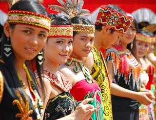 BERITA KALIMANTAN Suku Dayak Kalimantan Barat
