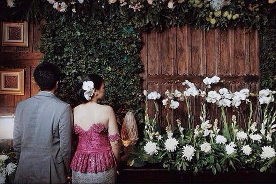 Gaya Foto Prewedding Indoor