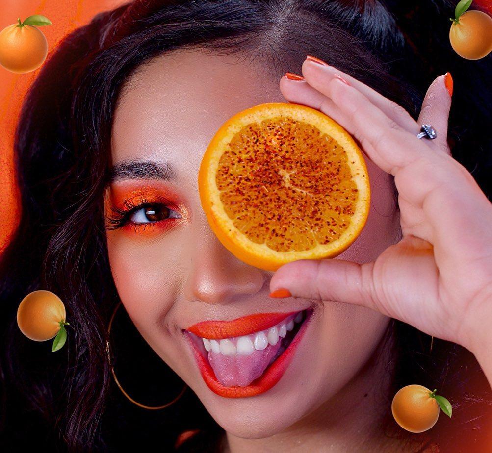 Maquiagem neon laranja