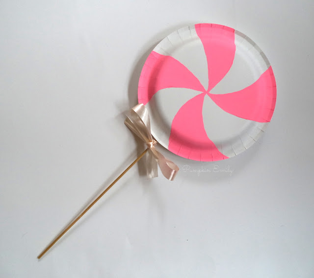 DIY Lollipop | DIYs Made Out of Paper Plates
