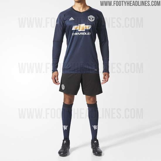 13a1f101685 Black shorts and socks in the same color as the shirt complete the kit. Do  you like the Manchester United 17-18 Goalkeeper ...