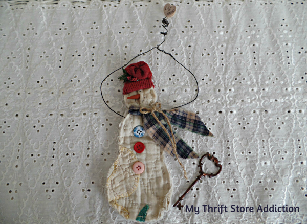 Friday's Find #128  mythriftstoreaddiction.blogspot.com  Quilted snowman