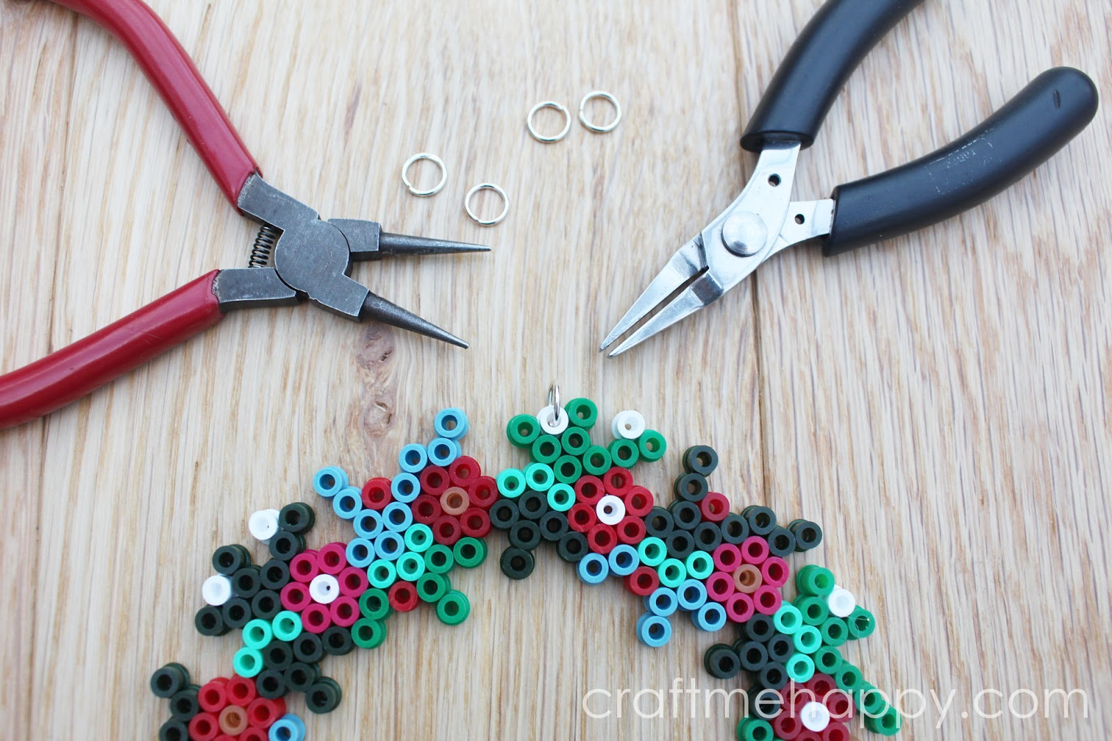 Hama bead Christmas Wreath | Craft me Happy!: Hama bead Christmas Wreath
