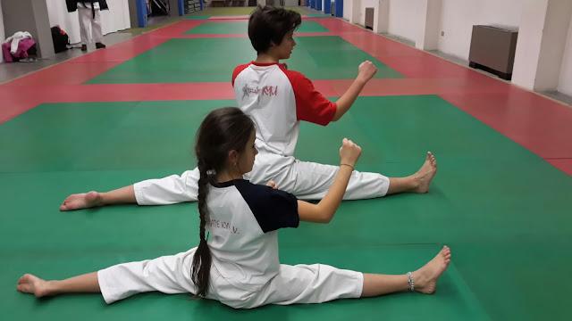 due atleti del karate vittorio veneto si allenano