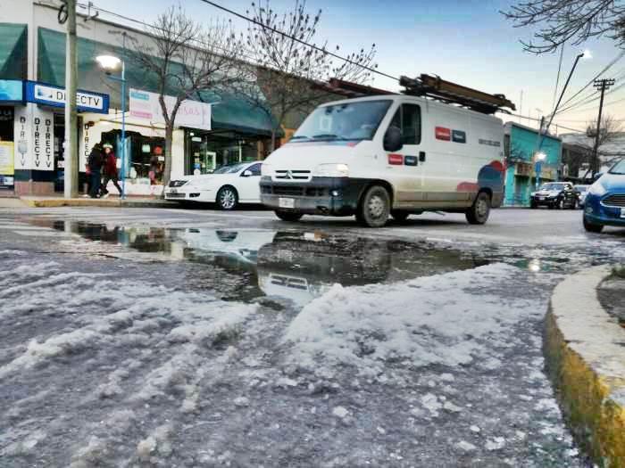 Recomendaciones y cuidados por hielo en las calles de General Roca