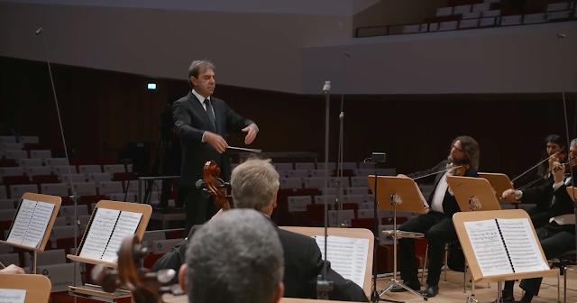 Schumann: Symphony No. 1 - Daniele Gatti, Dresden Festival Orchestra - Dresden Music Festival 2021 (Image from live stream)