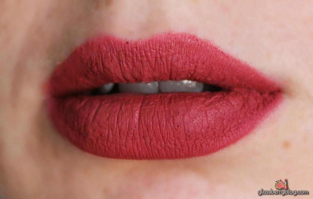 colourpop ultra matte lip lipstick lipcolor bumble nude sollow review swatchesק קולור פופ קולורפופ שפתון נוזלי מאט סקירה המלצות גלוסברי בלוג איפור וטיפוח