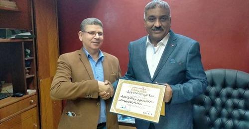 وكيل وزارة تموين  البحيره يكرم المحاسب أحمد هنيدى مدير إدارة كوم حماده