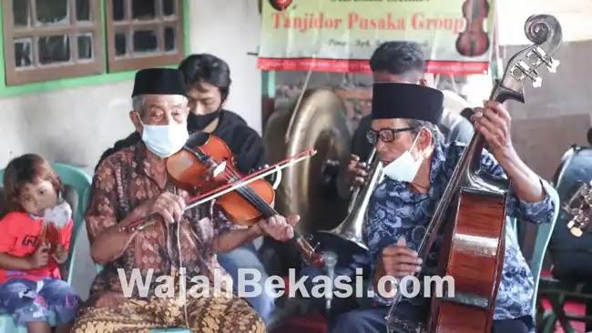 Apresiasi Kesenian Lokal, Camat Tarumajaya Sambangi Tanjidor Pusaka Group