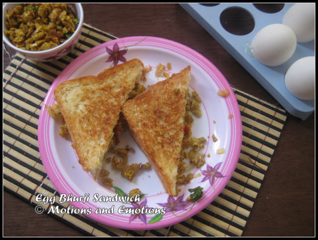 Egg Bhurji Sandwich / Scrambled Egg Stuffed Sandwich