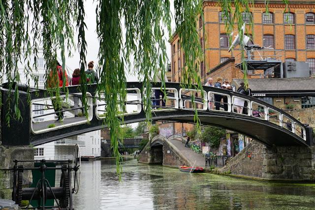 bucolismo no Regent's Canal em Camden Town