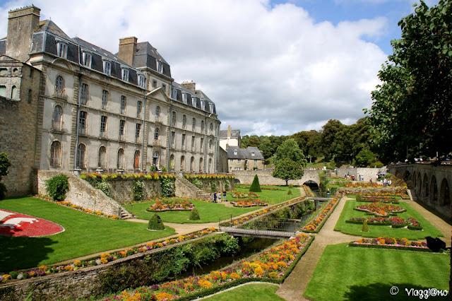 Lo chateau de l'Hermine ed i bei giardini di Vannes