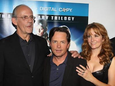 Christopher Lloyd, Michael J. Fox y Lea Thompson, los protagonistas de 'Regreso al futuro' , en una reunión previa (2010)