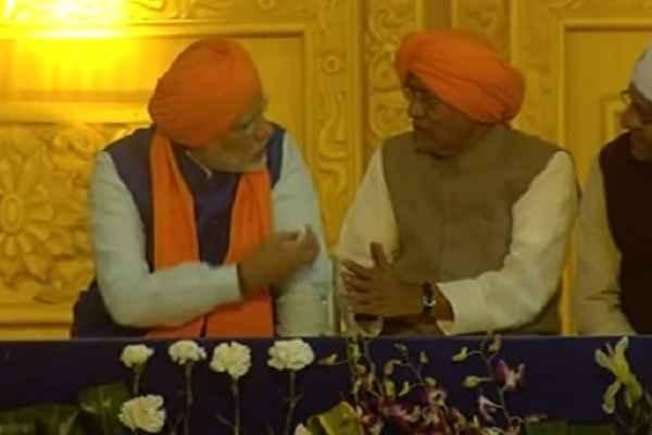 मोदी और नीतीश कुमार के बीच गहरी होती जा रही केमिस्ट्री, कांग्रेस और लालू को लग सकता है मिर्ची