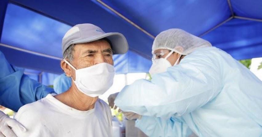 COVID-19: Hoy se inicia vacunación de adultos mayores afiliados a seguros privados