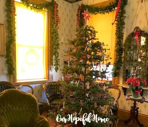 1800's Christmas tree