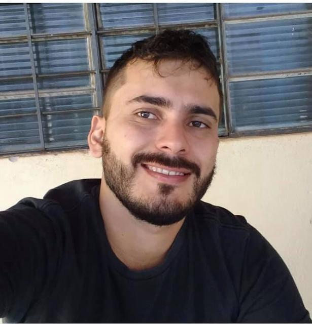 Rapaz morre em acidente de moto na rua Nove de Julho no Centro de Marília.