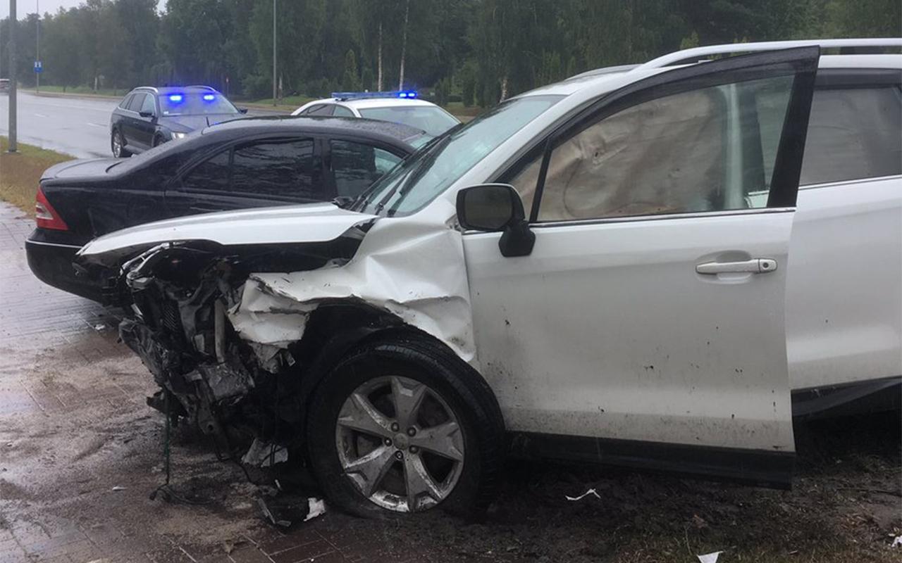 Divu auto avārija Dobeles šosejā Jelgavā