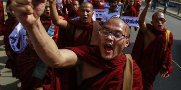 Kelompok Budha Radikal Minta Aung San Suu Kyi Mundur