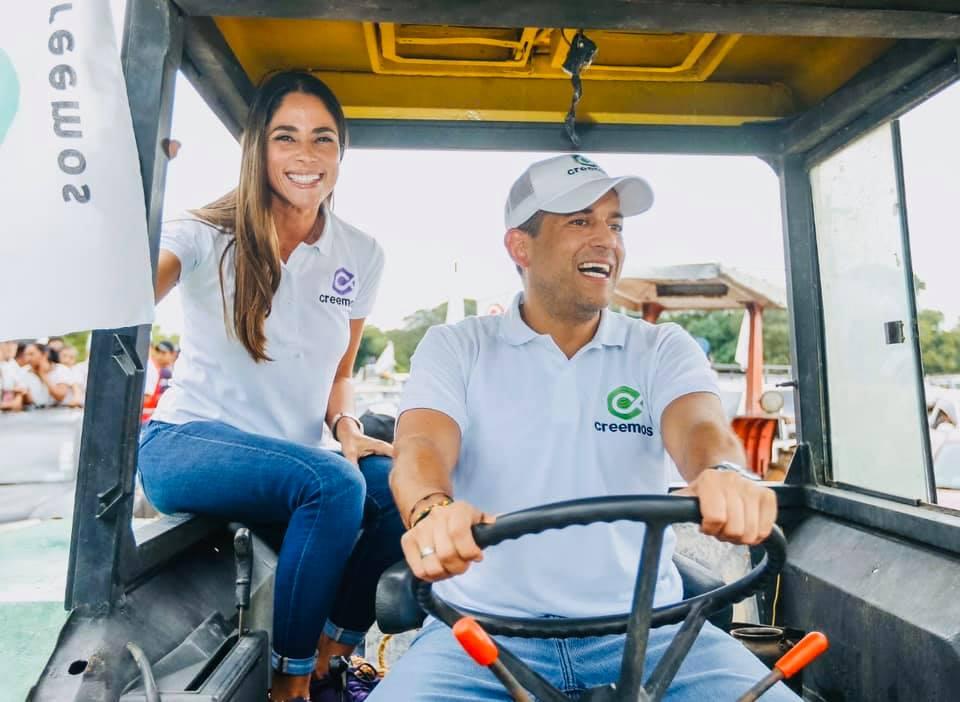 Camacho y su pareja en la campaña de la alianza Creemos / RRSS