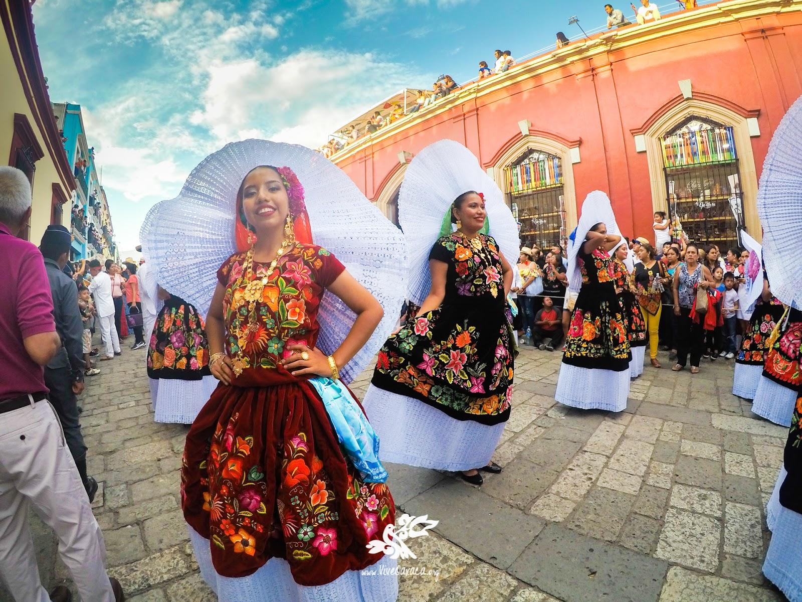 GUELAGUETZA 2018: Primer Desfile de Delegaciones (Galería) - Vive Oaxaca -  Pagina oficial Vive Oaxaca - Pagina oficial
