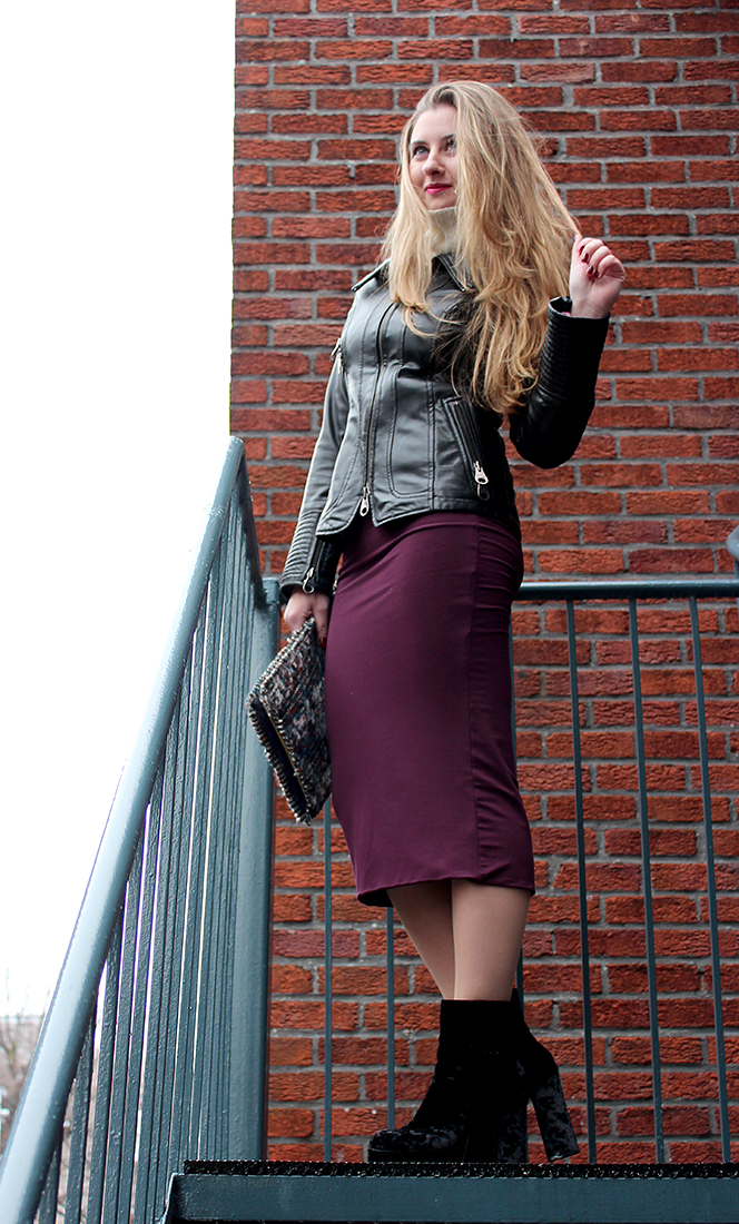 Fabulous Dressed Blogger Woman Nur From Istambul
