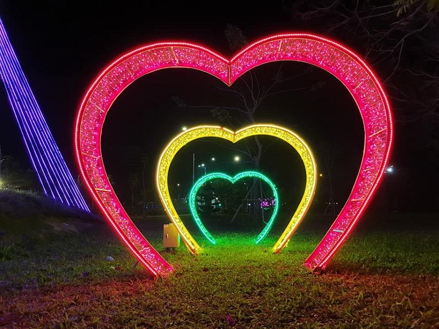 Khu tiểu cảnh tình yêu tại cổng B công viên Sa Đéc