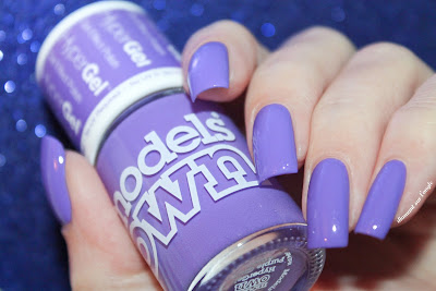 "Swatch of the nail polish ""Hypergel Purple Glaze"" from Models Own"