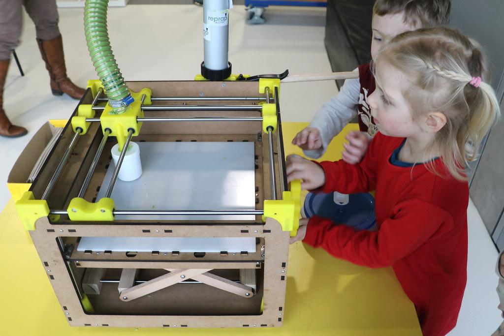 Rekomendasi 5 Printer 3D yang Cocok untuk Pemula dan Anak-Anak