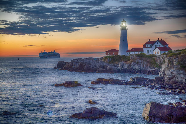 Lighthouse from Unsplash.com