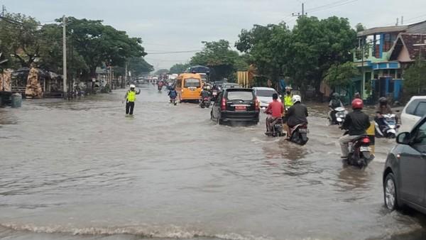 Hujan Merata 5 Jam, Puluhan Desa di 8 Kecamatan Pasuruan Banjir