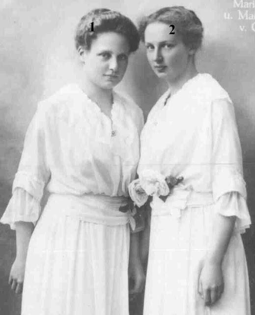 Prinzessin Maria Cristina (* 4. Mai 1899; † 21. April 1985), Prinzessin Maria Antonietta (* 16. April 1898; † 11. Januar 1957) von Bourbon-Sizilien)