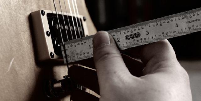 ajustes-altura-guitarra-contrabaixo.jpg