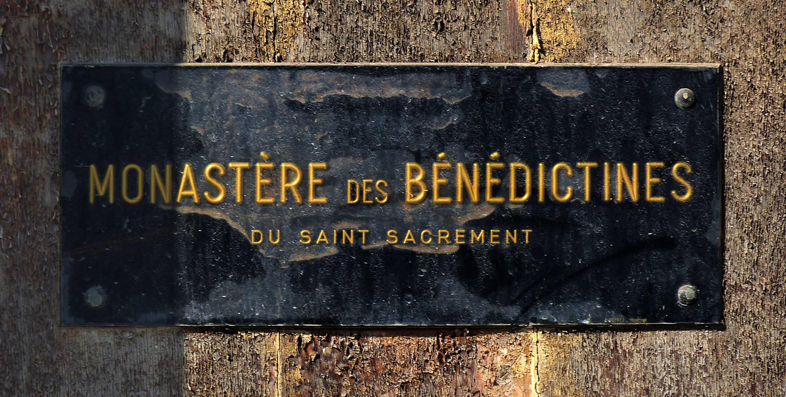 Monastère des Bénédictines - Plaque.