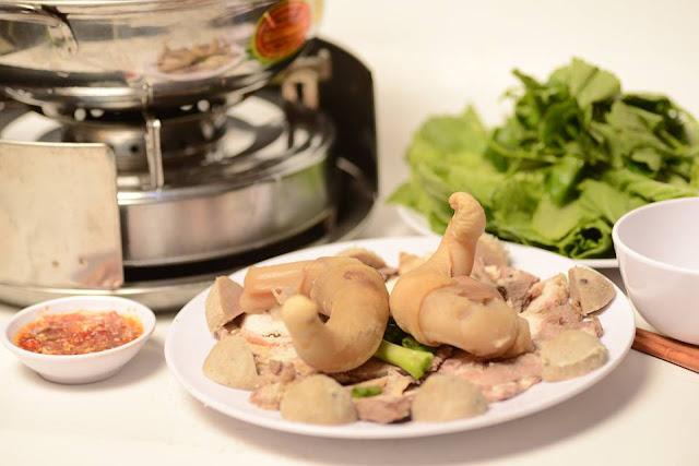 Lạ lẫm 4 món ăn Việt khiến nhiều du khách nước ngoài ái ngại